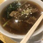 119908560 - 牛バラ麺。スープたっぷり。