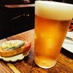 オッジ・ドマーニ - ビールと、お通し。