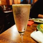 オッジ・ドマーニ - シャンパン。