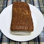 119916149 - 大皿と同じサイズの牛乳パン!