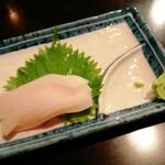 やきや - イカ刺身(240円)