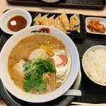 麺家 口熊野食堂 - 三つ葉がアクセントの魚介系