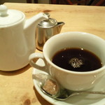 サンデーブランチ - ケーキセットのコーヒーもポットサービス。