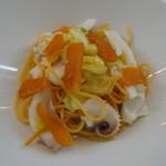 レストラン ファロ 資生堂  - パスタ・甲烏賊と春キャベツの自家製タリオリーニ カラスミと共に(コース料金に500円追加)