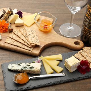 世界各国から厳選された【チーズ】を堪能できるチーズ専門店