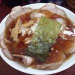 三番亭 - 料理写真:チャーシュー麺880円