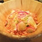 いか天国 - 京都赤かぶと桜えびのサラダ