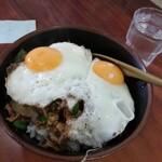 淡淡 - 焼肉丼ニラエッグ¥730 色調