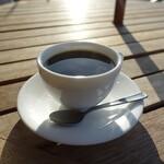 海カフェ イン ニシウラ - 温かい珈琲が沁みる
