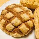 久栄 - 焼き立てメロンパン