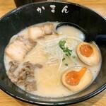かまん - 料理写真:牛骨ラーメン