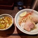 120004737 - 煮干しつけ麺