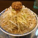 大勝軒 赤ふじ - 料理写真:角ふじ麺味噌中盛 ¥850-