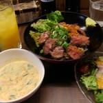 肉バル ミート キッチン 298 - ステーキ丼ランチ