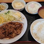 若奴食堂 - 料理写真:B定食  880円    焼肉定食だ