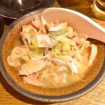 やきとりスタンド - 鶏白湯煮込み298円/税別