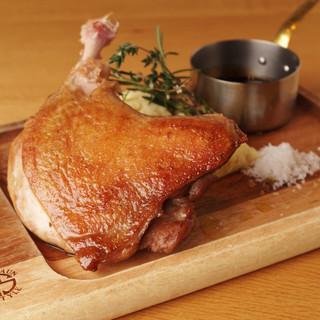 低温でじっくり調理した肉料理