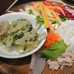 葡萄の丘 - 天婦羅・サラダ・巻いてない手巻き寿司