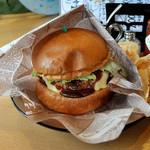 サンテリア - チーズバーガー(単品で730円)