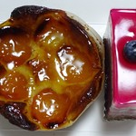 シュルプリース - 料理写真:左:フラン、右:サンタンジュ