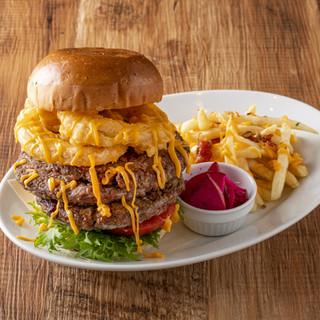 秋葉原でのランチは、当店自慢のハンバーガーをどうぞ!