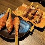 腹黒屋 - 粗挽き手ごね塩つくねとつくば鶏の葱塩とろハツ串