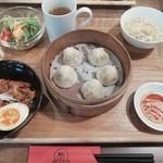 茶月譚 - 魯肉飯小籠包ランチ(1280円)
