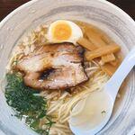 麺屋 廣島弐番 - 中太麺、スープ醤油入ってないよ