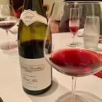 120068907 - 赤ワイン。