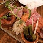 ビストロ カンパーニュ - お肉屋さんからの盛り合わせ 1,890円