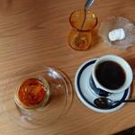 喫茶ムムム - クレームブリュレ300円(税込)・グァテマラ450円(税込) 201911