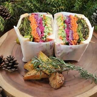 昼カフェで絶対に食べたい「ベジビエバーグサンド」!