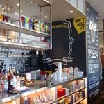 ザ ミート ロッカー ステーキ アンド カフェ - お洒落な 店内