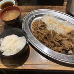 120105589 - 焼肉定食