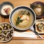 寿製麺 よしかわ 川越店 - 麺割烹 冬の魚と蓮根のつけそば」1000円(「むぎくらべ」出店)