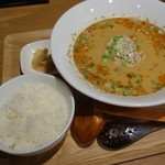 包子 - 担々麺セット