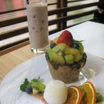 日本橋果物 - マクロビクッキーショットパフェとミックスジュース