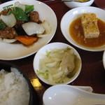 清龍苑 - 酢豚定食
