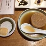 横浜おばんざい月読 - 豆腐の味噌漬け(左)と大根のおでん