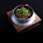 金の釜 徳衛門 - 国産牛ごぼう釜めし 980円