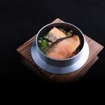 金の釜 徳衛門 - 鮭ずくしの釜めし 880円