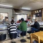 岡製麺所 - 内観写真: