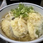 120151225 - ◆こんな感じで・・ 天ぷらは揚げ置きで「茄子」「ごぼう」「ピーマン」「カボチャ」「薩摩芋」など。 お出しのきいた汁がいい味わいですし、天かすを入れると旨みが増します。