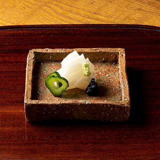 茶懐石の流れで供される逸品の数々に、京都料理の奥深さを味わう