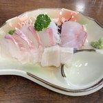 乙姫 - 刺身単品 ¥750(税別)