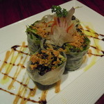 月陽 KARASUMA - 海老と新鮮野菜の生春巻和と洋のソースで