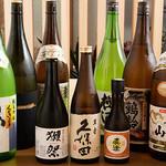旬肴ふく堀田 - 日本酒ボトル集合