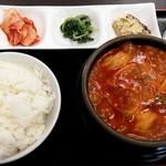 韓国料理 來來家 - 料理写真:マンドゥスンドゥブ定食