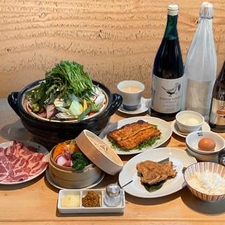 宴会コースは3300円から提供。飲み放題付きもございます♪