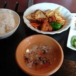 120168138 - 豚角煮と干し豆腐煮込み(850円)
